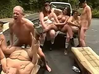 Men fuck hot fatties in parking lot