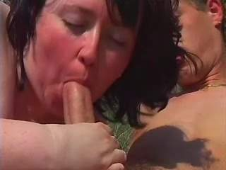 Plump mom enjoys oral sex on picnic