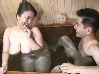 Asian BBW sucks and gets jizz in bath