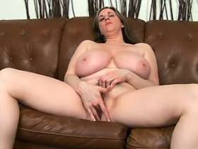 Plump mom with large tits does blowjob