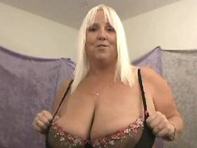 Perky fat mom with huge tits shows off