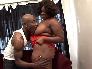 Chubby ebony sucks chocolate cock