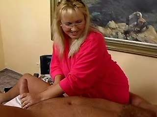 Chubby blonde seduces amateur man