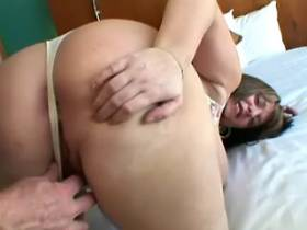 Man greedily licks fat pussy of mature BBW