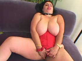 Chubby mature with huge boobs enjoy dildo