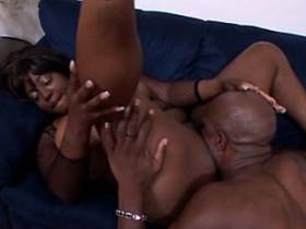 Black chubby vixen fucked by dark guy